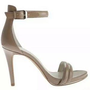 Kenneth Cole Brooke Sandal size 6